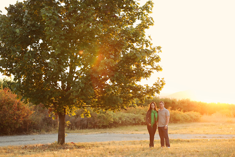 Sunset engagement photos. Kelowna, BC wedding photographer.