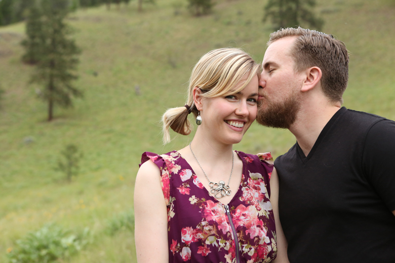 Kelowna__apple_bowl_engagement_0017