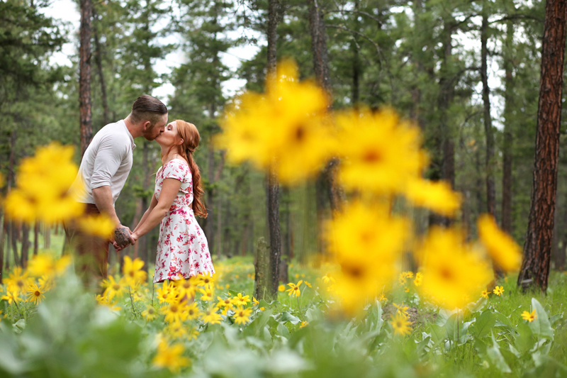 forest-meadow-engagement-kelowna_0001