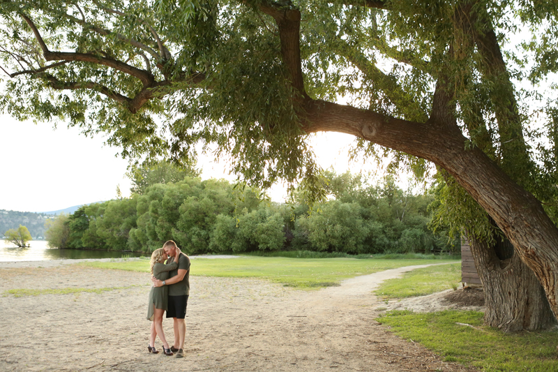 Kelowna-engagement-photographer_0005