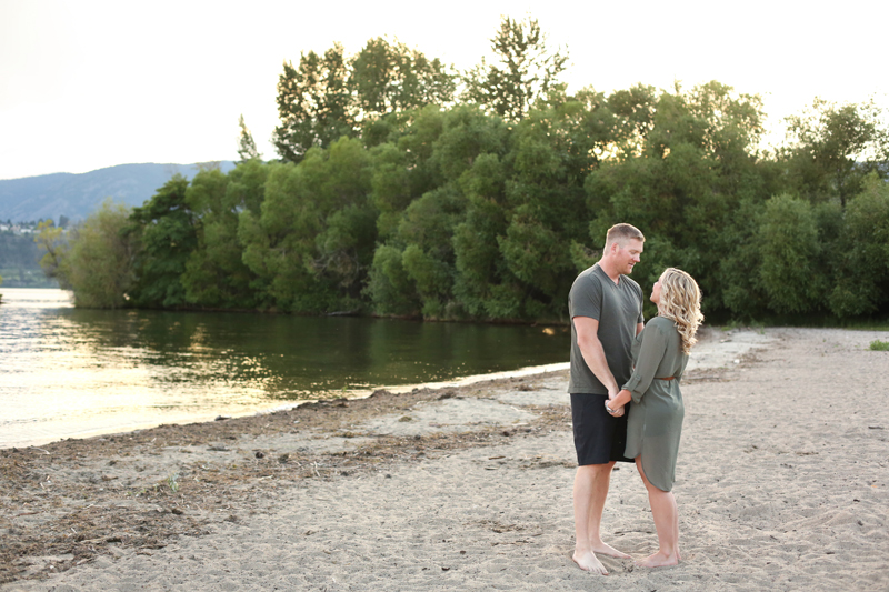 Kelowna-engagement-photographer_0015