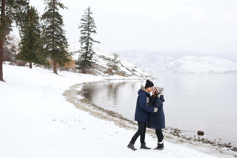 Kelowna-winter-engagement-wedding-photos_011