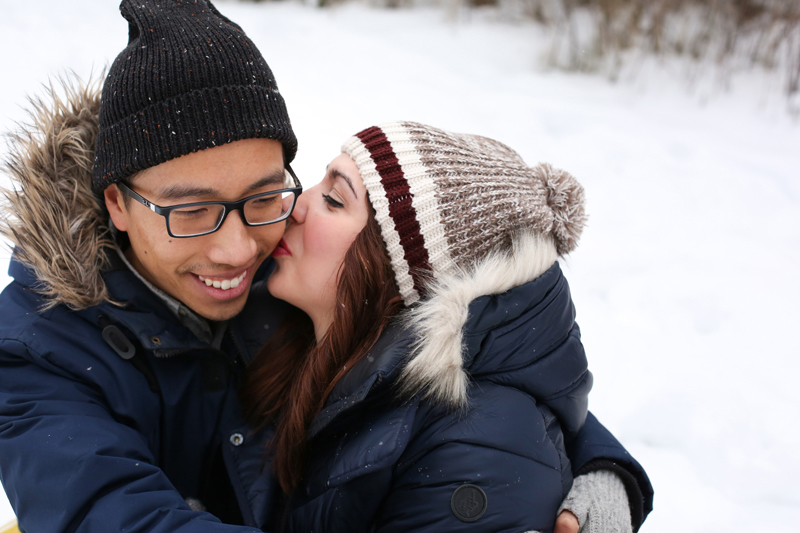 Kelowna-winter-engagement-wedding-photos_015