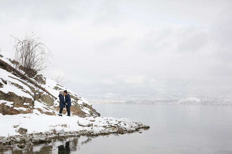 Kelowna-winter-engagement-wedding-photos_022