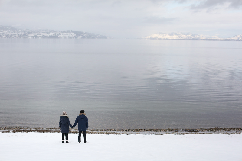 Kelowna-winter-engagement-wedding-photos_026